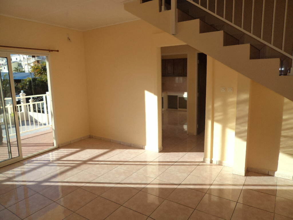 Location Appartement 3 pièces à Le Tampon - vignette-2