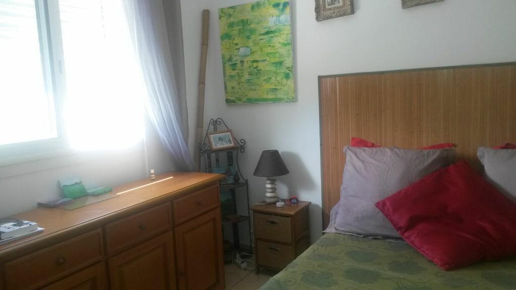 Achat Appartement 3 pièces à Saint-Pierre - vignette-12