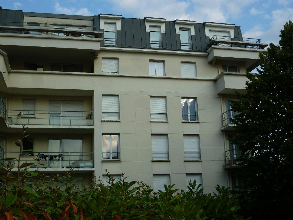 Location Appartement 4 pièces à Cergy - vignette-1