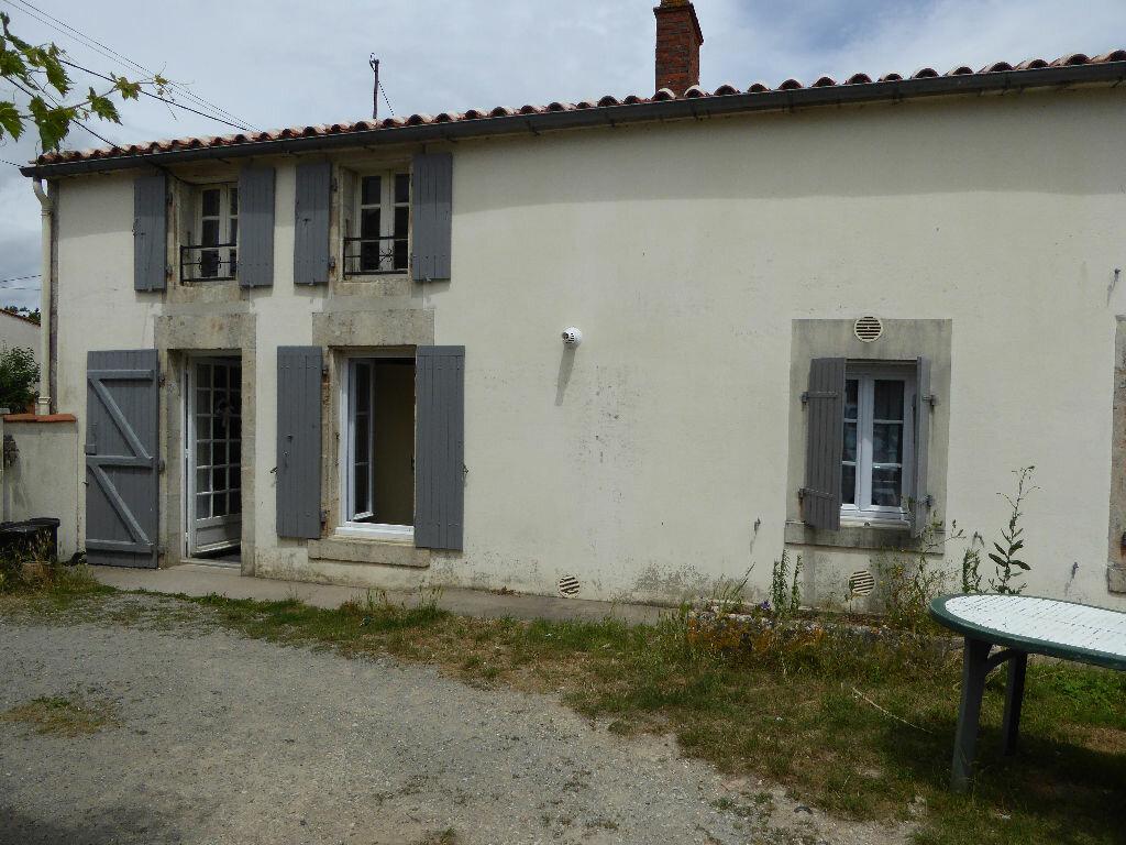 Achat Maison 4 pièces à Saint-Cyr-du-Doret - vignette-1