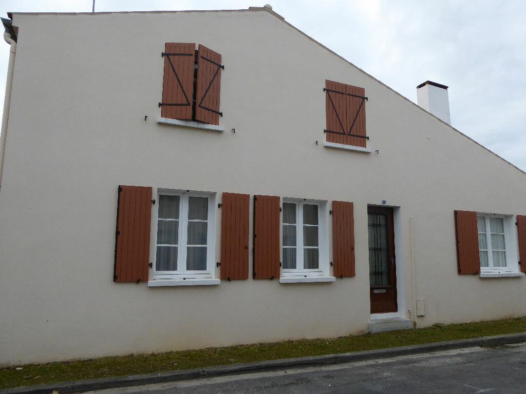 Achat Maison 5 pièces à Courçon - vignette-1