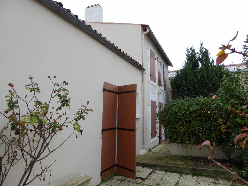 Achat Maison 5 pièces à Courçon - vignette-2