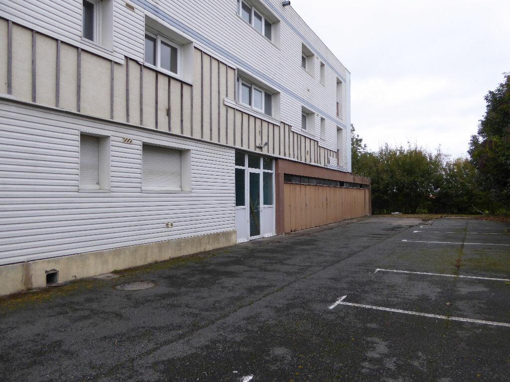 Achat Immeuble  à Courçon - vignette-1