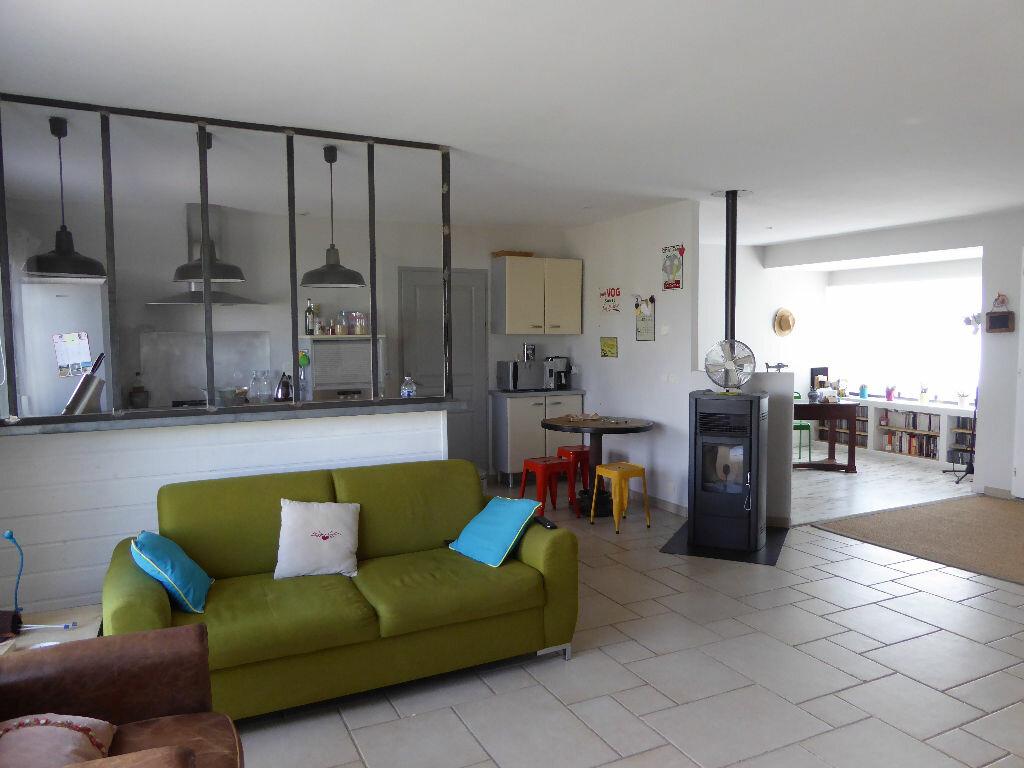 Achat Maison 5 pièces à Saint-Jean-de-Liversay - vignette-1