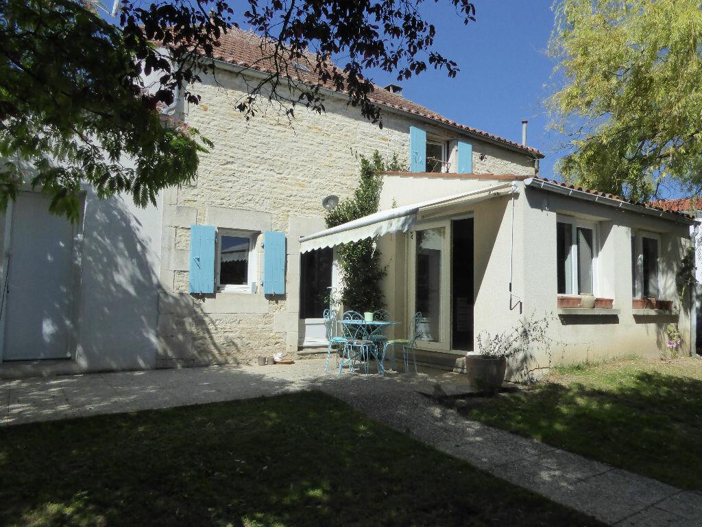 Achat Maison 8 pièces à La Ronde - vignette-1
