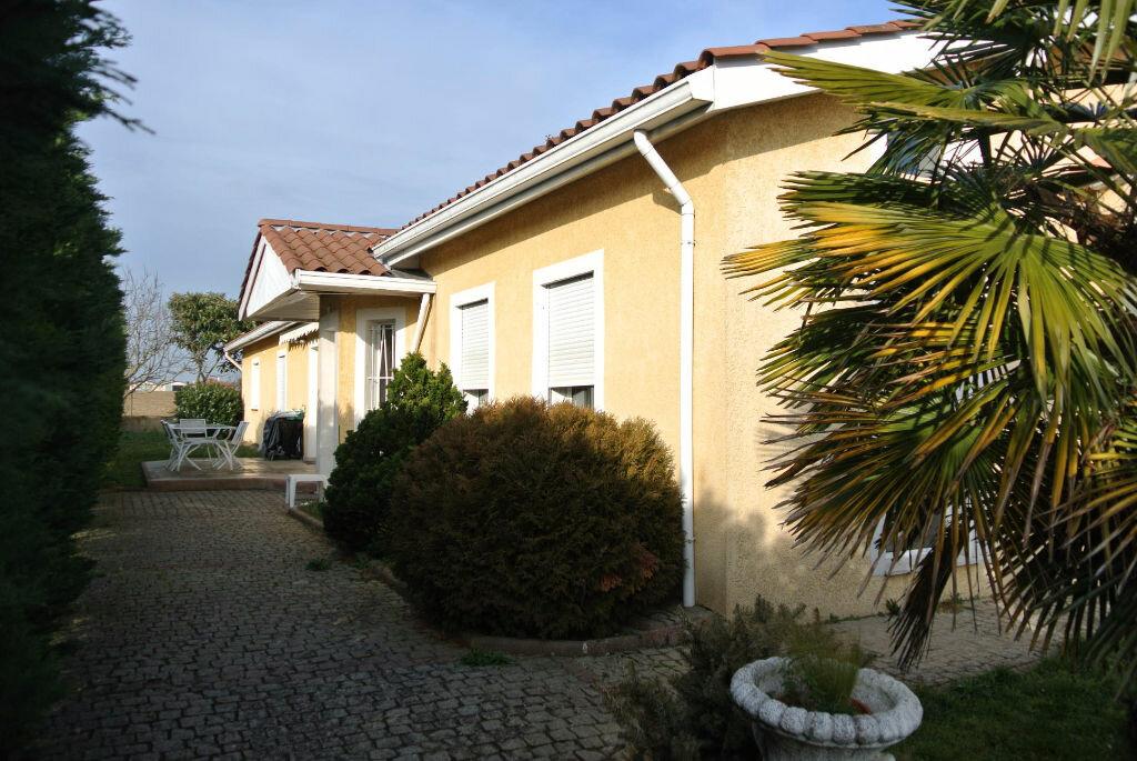 Achat Maison 6 pièces à Rillieux-la-Pape - vignette-1