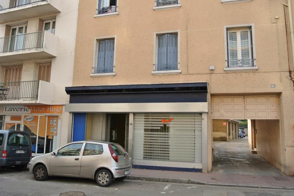Achat Local commercial  à Vénissieux - vignette-5