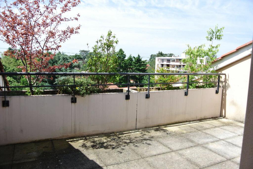Achat Appartement 4 pièces à Bron - vignette-4