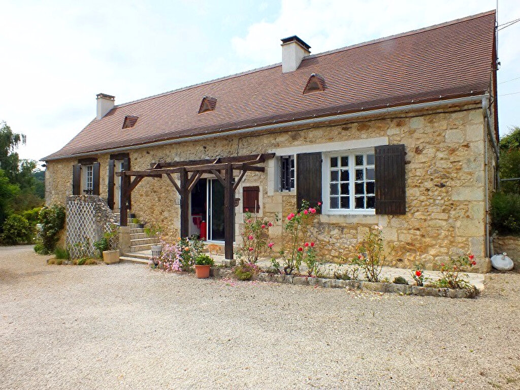 Achat Maison 4 pièces à Saint-Georges-de-Montclard - vignette-1