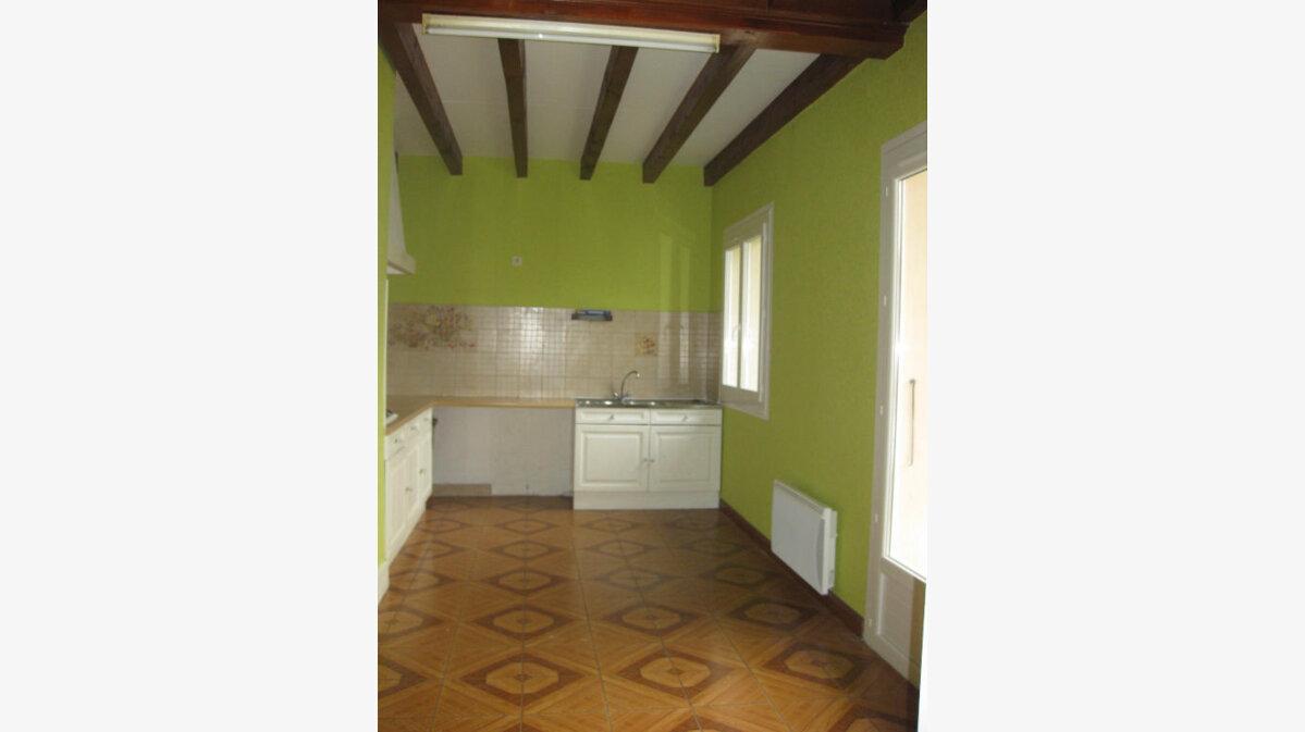 Location Maison 4 pièces à Castres - vignette-3