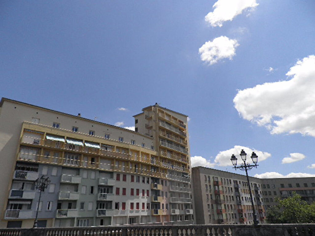Location Appartement 4 pièces à Castres - vignette-1