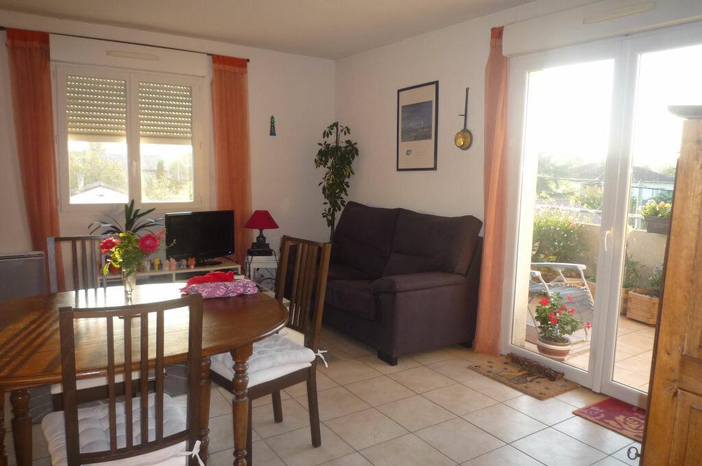 Achat Appartement 3 pièces à Lavaur - vignette-2