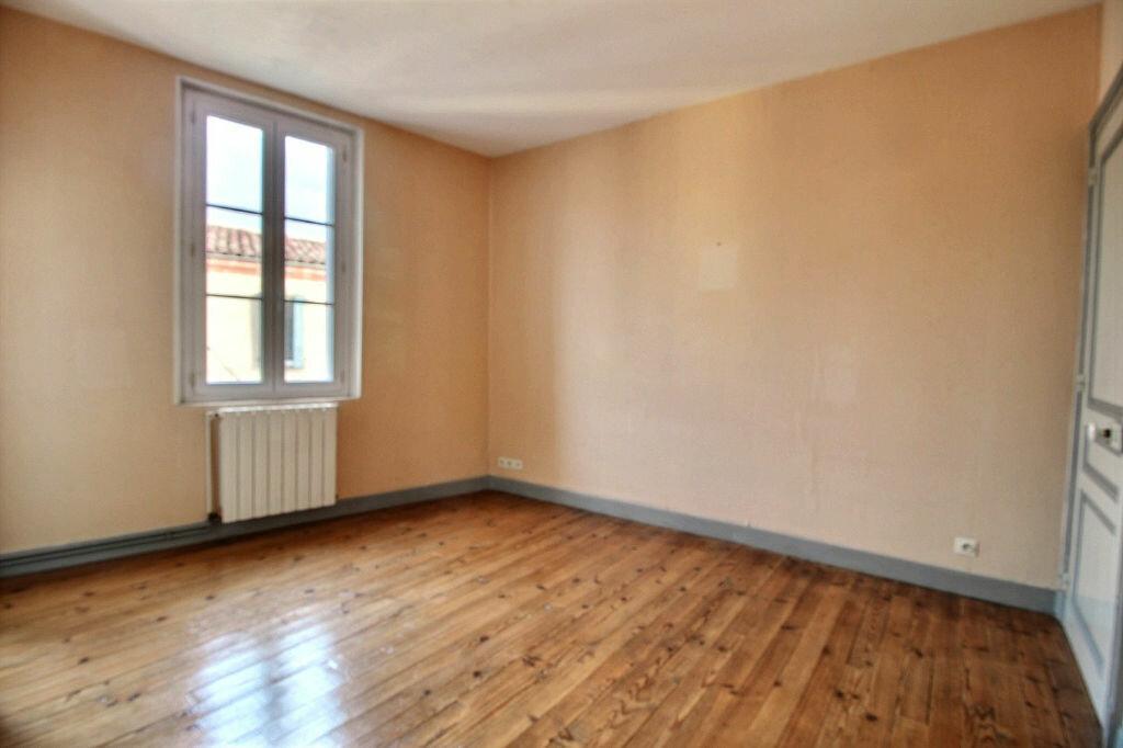Location Appartement 3 pièces à Gaillac - vignette-2