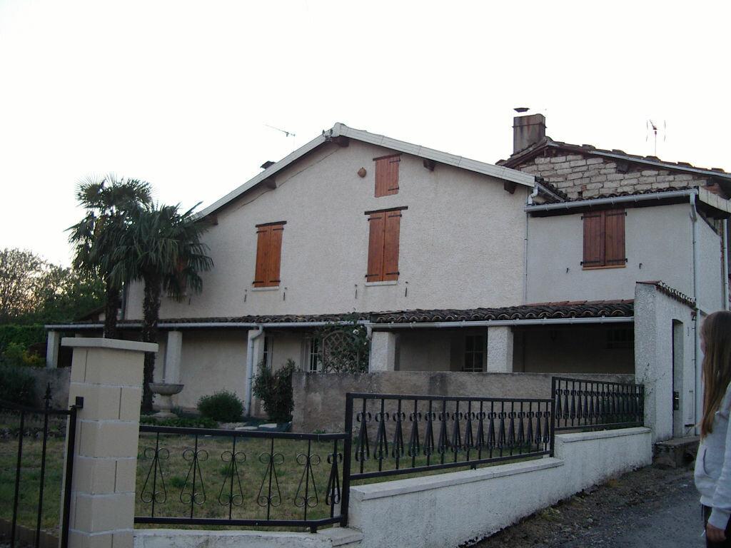Location Maison 5 pièces à Rabastens - vignette-1