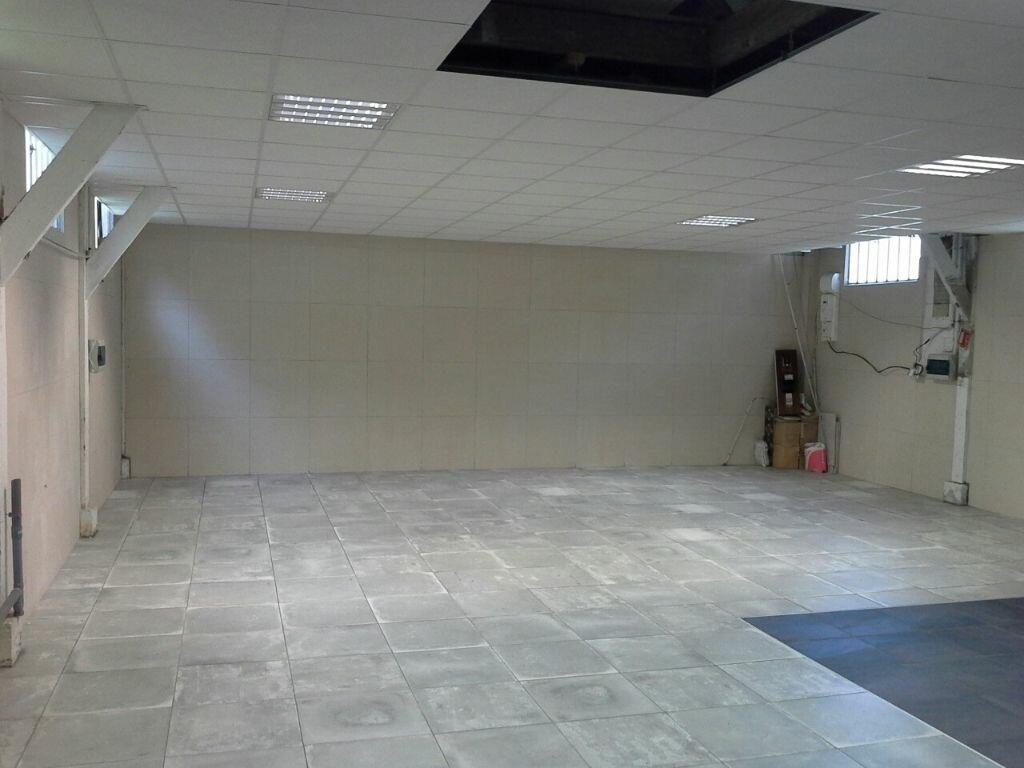 Location Entrepôt  à Corbeil-Essonnes - vignette-1