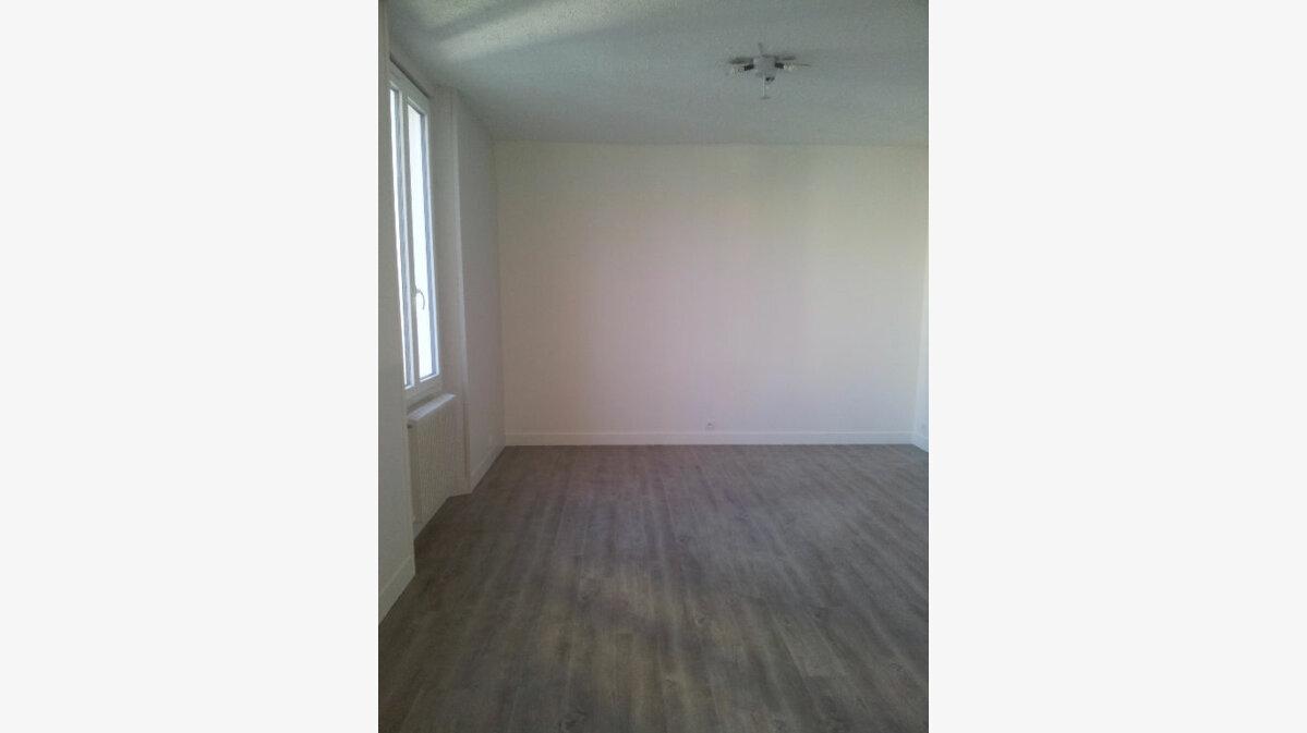 Location Appartement 1 pièce à Soisy-sur-Seine - vignette-2