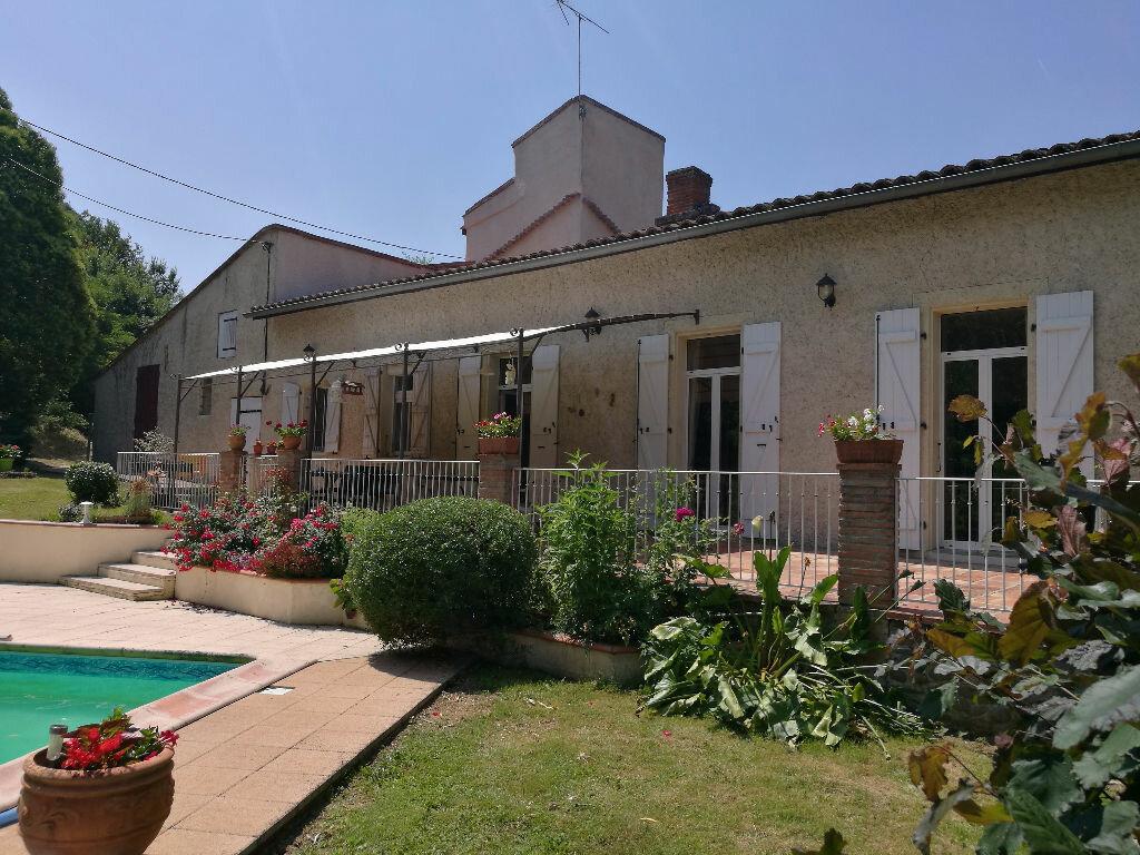 Achat Maison 6 pièces à Montaigut-sur-Save - vignette-1