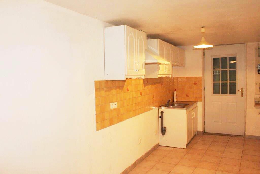 Location Maison 4 pièces à Eyragues - vignette-1