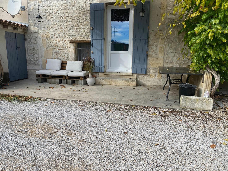Location Maison 4 pièces à Châteaurenard - vignette-1