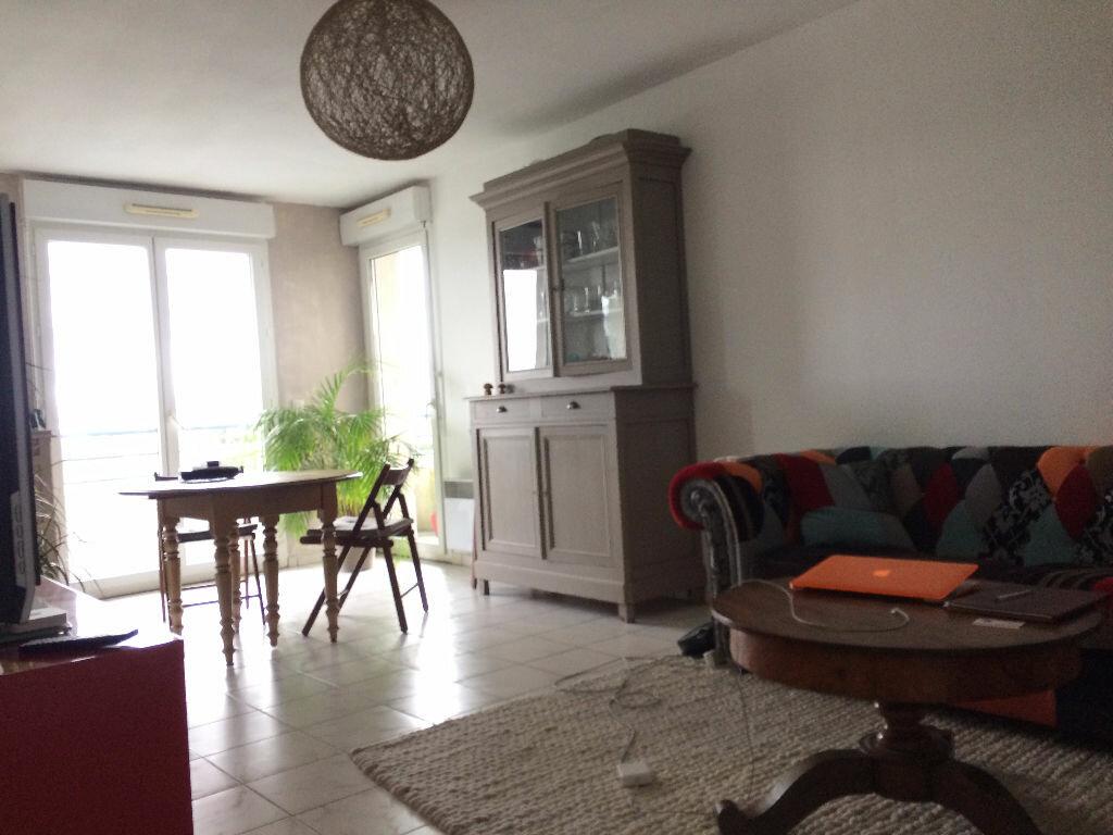 Achat Appartement 3 pièces à Cenon - vignette-2