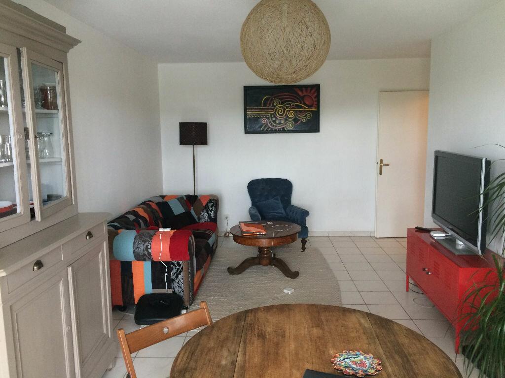 Achat Appartement 3 pièces à Cenon - vignette-3