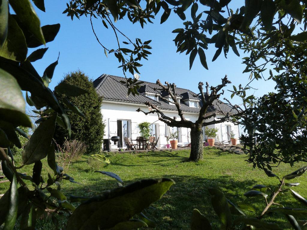 Achat Maison 9 pièces à Pompignac - vignette-1