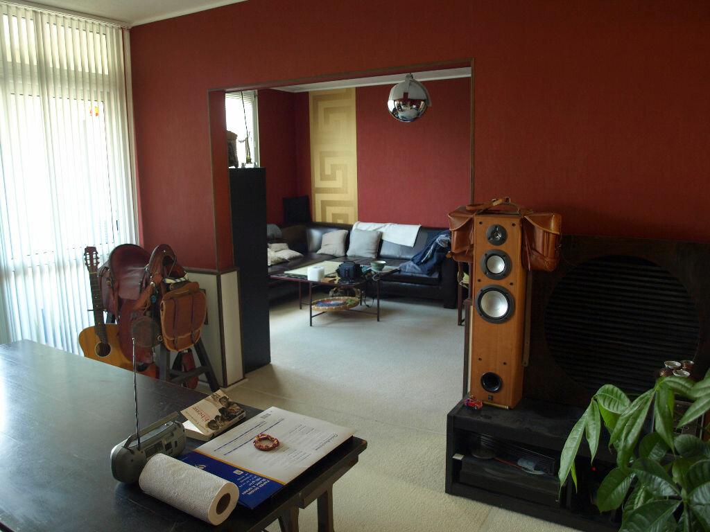 Achat Appartement 4 pièces à Carbon-Blanc - vignette-1