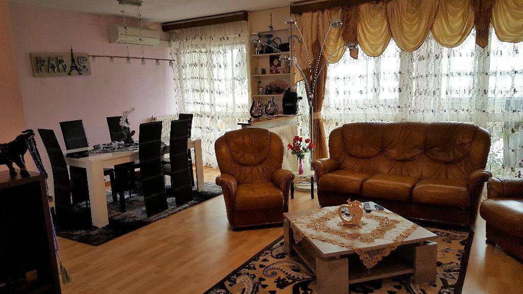 Achat Appartement 5 pièces à Lormont - vignette-1