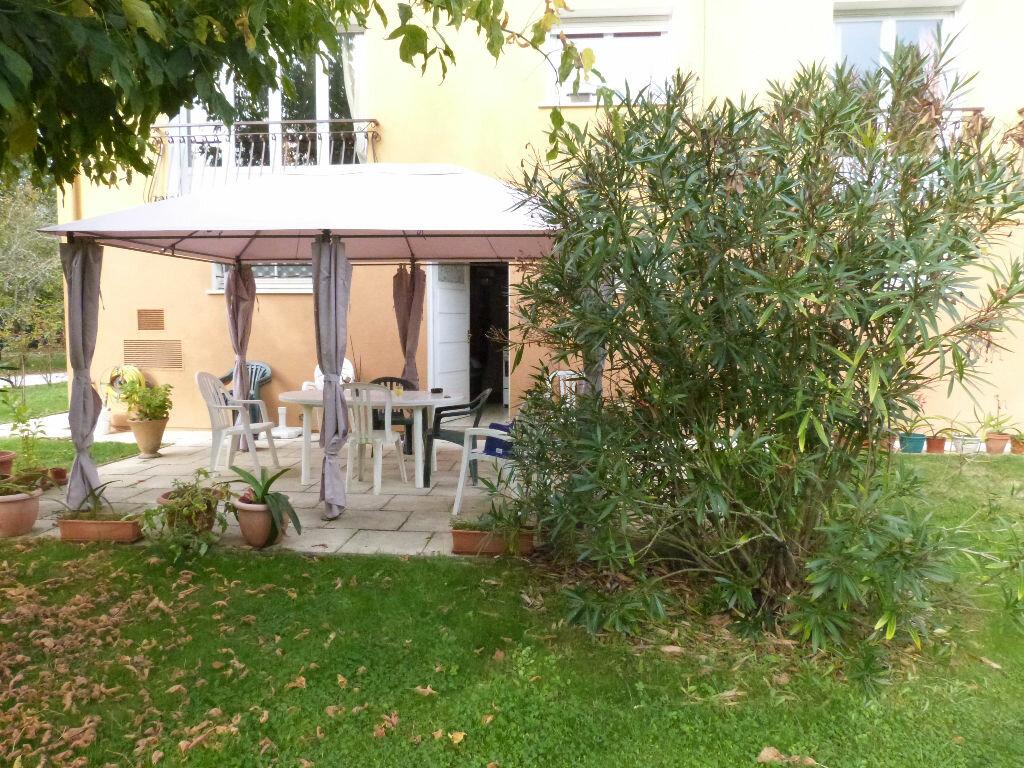 Achat Maison 7 pièces à Carignan-de-Bordeaux - vignette-1