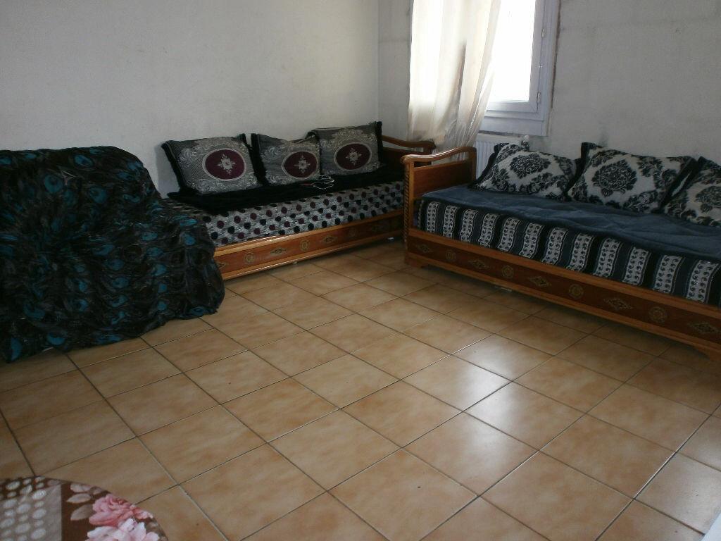 Achat Appartement 5 pièces à Stains - vignette-1