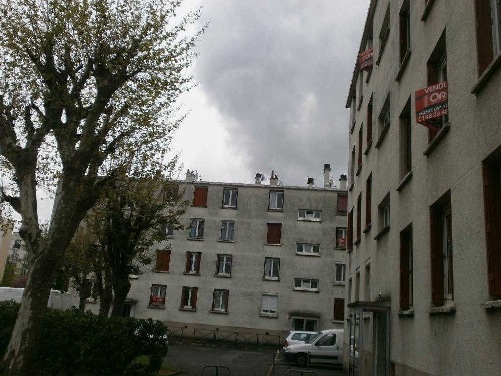 Achat Appartement 4 pièces à Stains - vignette-1
