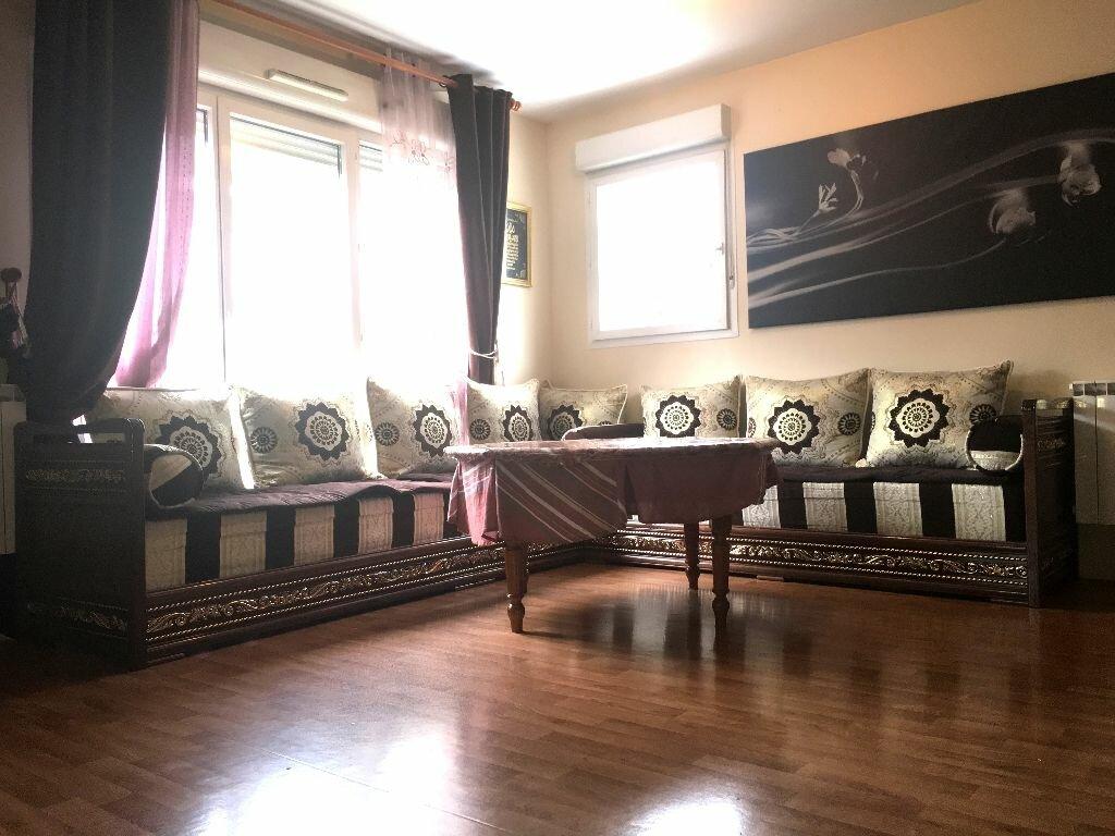 Achat Appartement 3 pièces à Stains - vignette-2