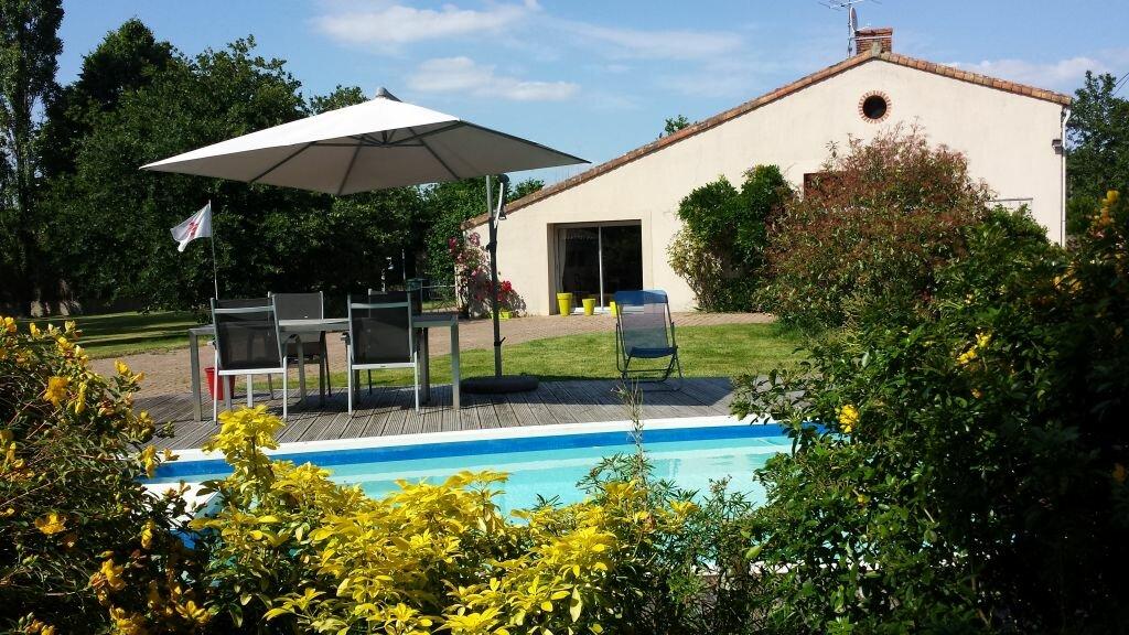 Achat Maison 5 pièces à Nieul-le-Dolent - vignette-1