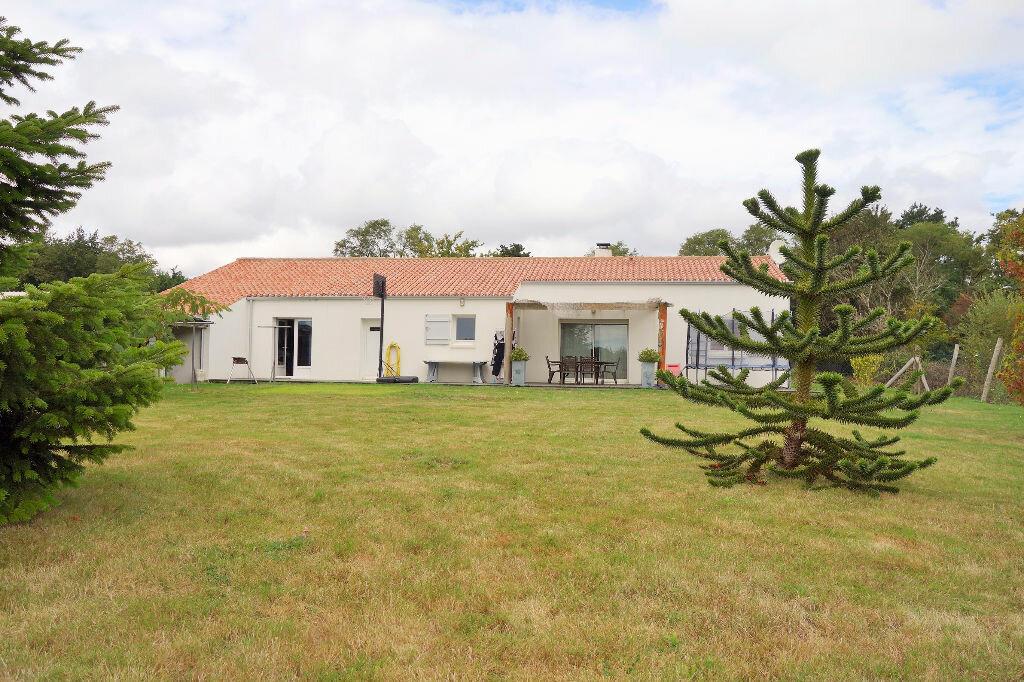 Achat Maison 4 pièces à Grosbreuil - vignette-1