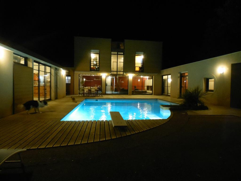 Achat Maison 10 pièces à Talmont-Saint-Hilaire - vignette-1