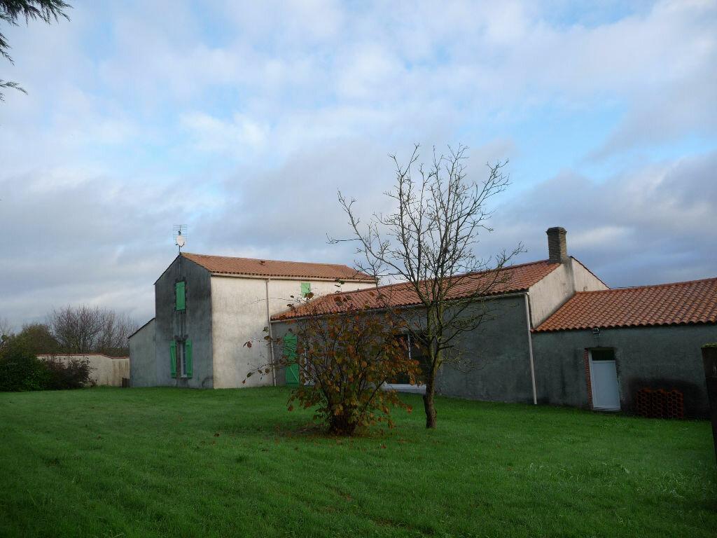 Achat Maison 6 pièces à Sainte-Foy - vignette-1