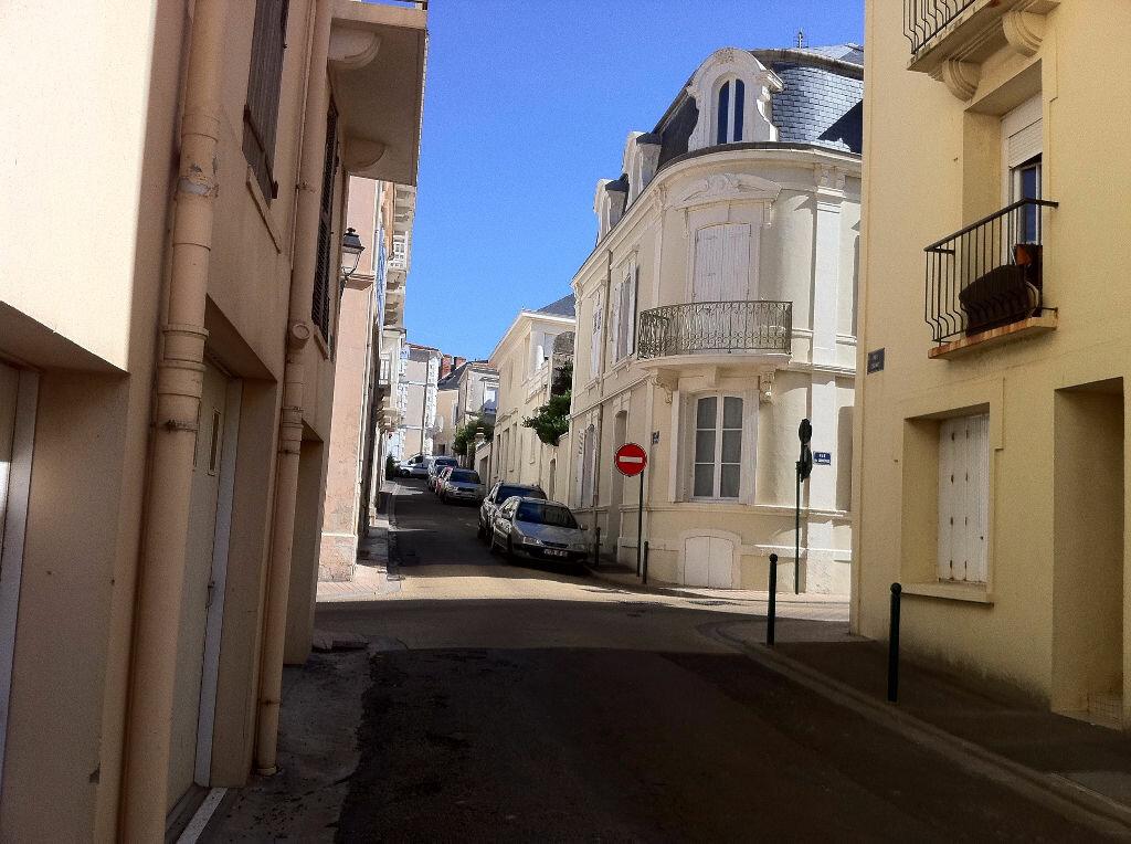Achat Maison 10 pièces à Les Sables-d'Olonne - vignette-1