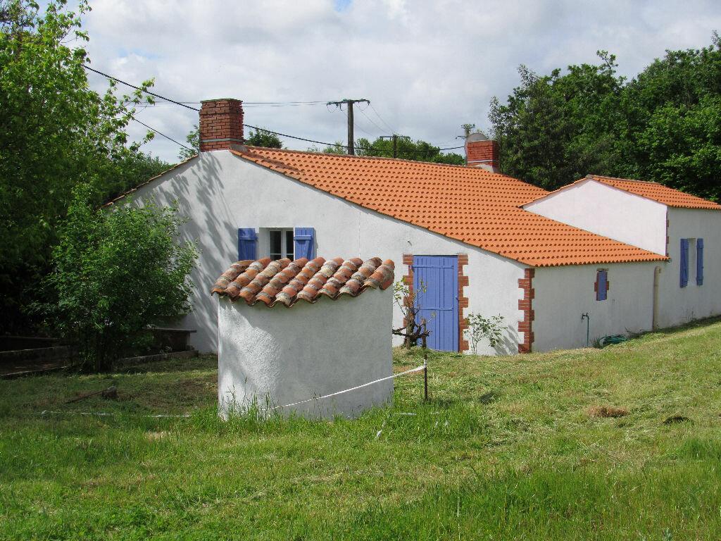 Achat Maison 4 pièces à Poiroux - vignette-1