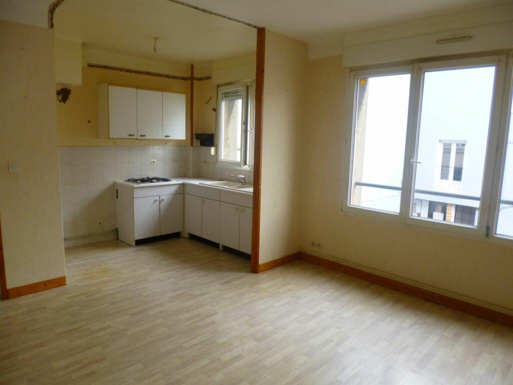 Location Appartement 3 pièces à Boulogne-sur-Mer - vignette-1