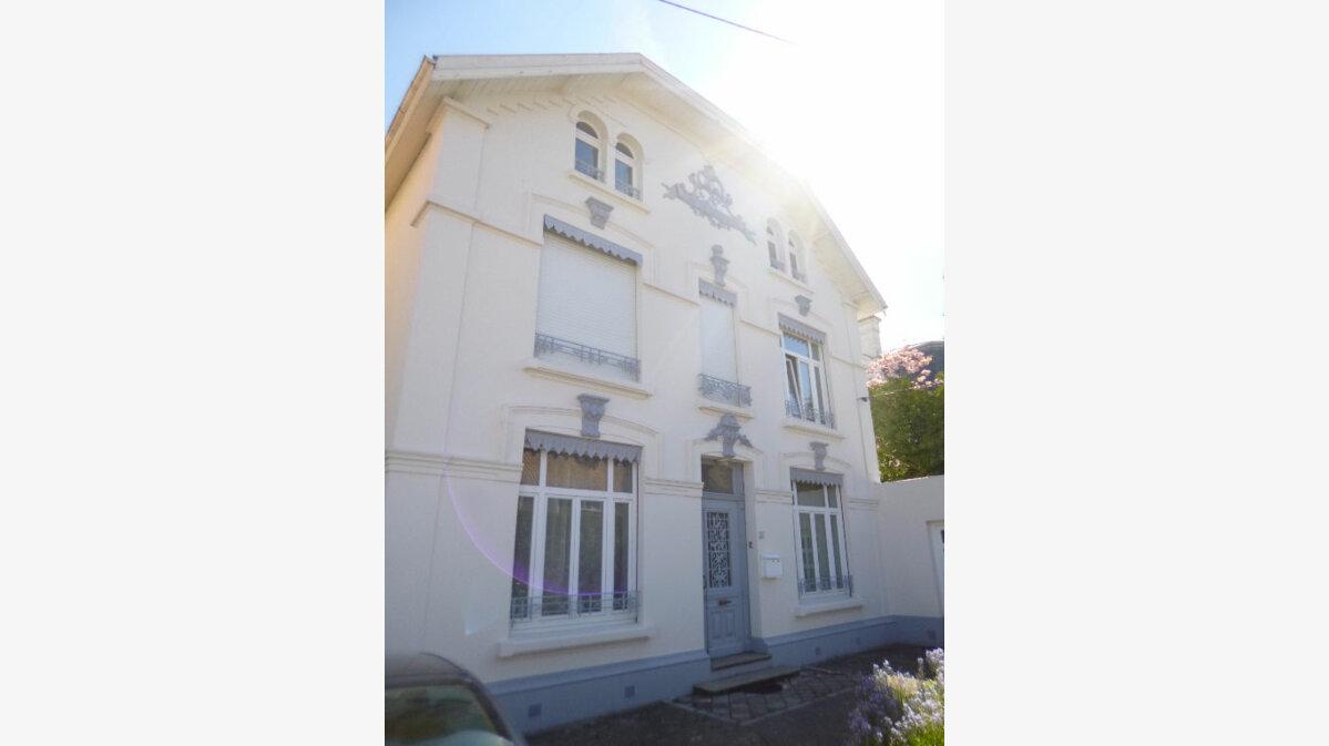 Achat Maison 10 pièces à Saint-Léonard - vignette-1