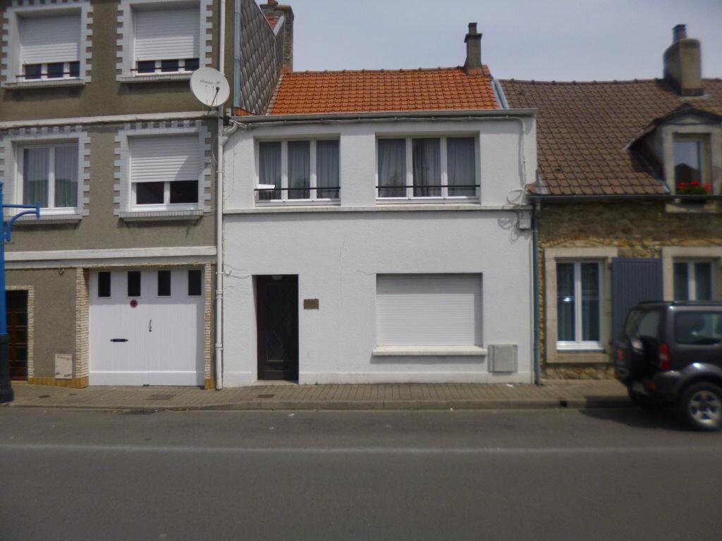 Achat Maison 6 pièces à Saint-Étienne-au-Mont - vignette-1