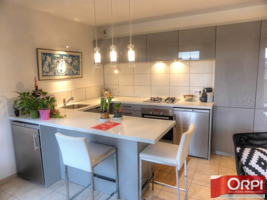 Achat Appartement 3 pièces à L'Isle-d'Abeau - vignette-1