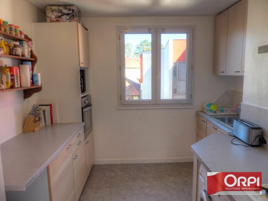 Achat Appartement 3 pièces à La Verpillière - vignette-2