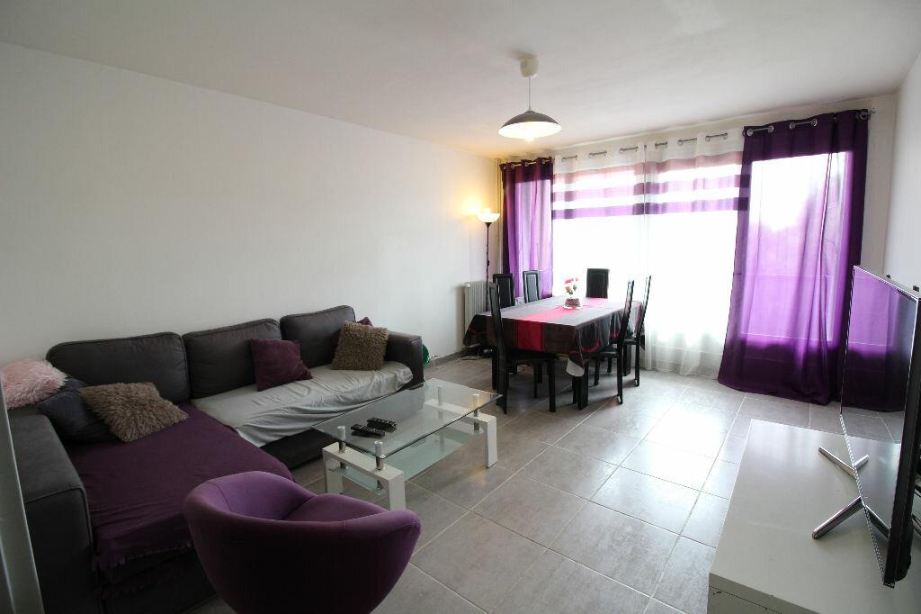 Achat Appartement 3 pièces à Meyzieu - vignette-1