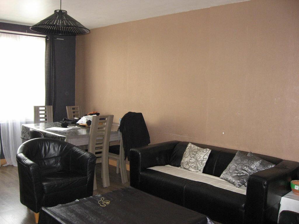 Achat Appartement 4 pièces à Décines-Charpieu - vignette-1