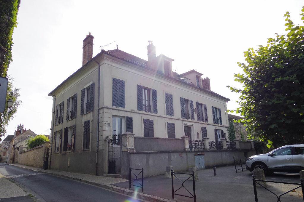 Achat Appartement 2 pièces à Moret-sur-Loing - vignette-1