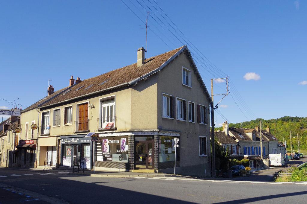 Achat Appartement 1 pièce à Moret-sur-Loing - vignette-1
