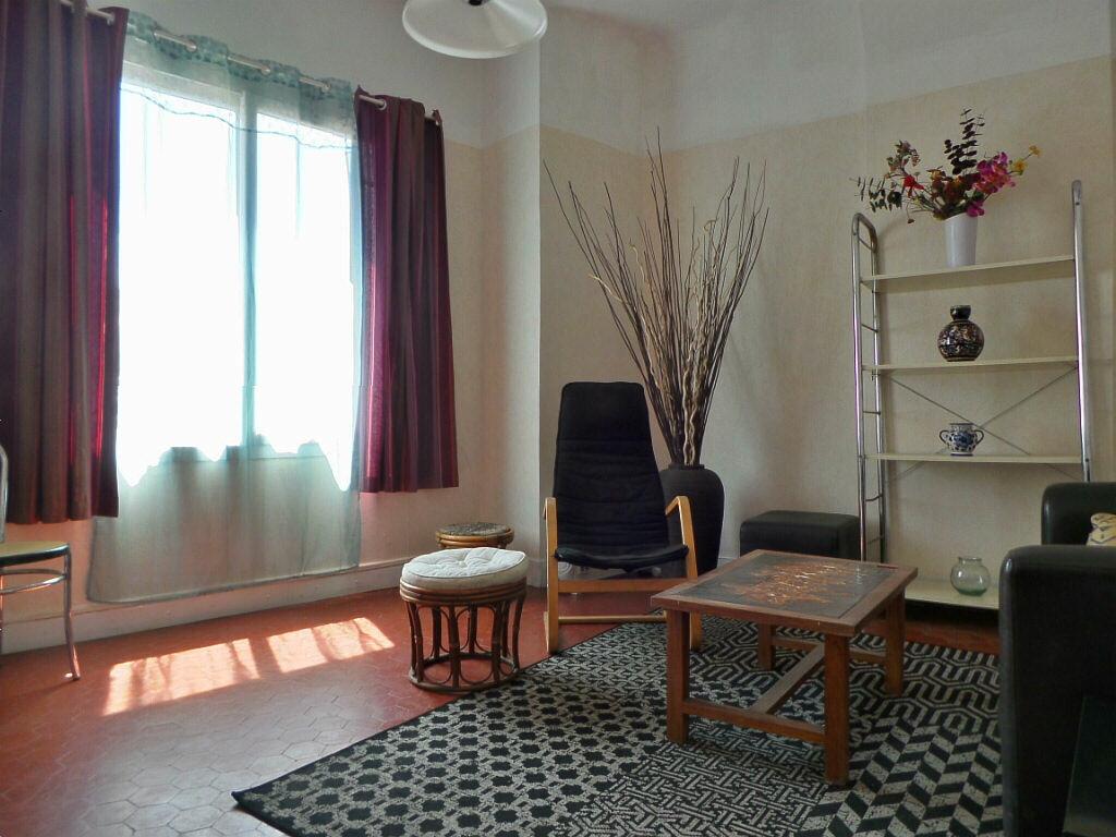 Achat Appartement 2 pièces à Marseille 5 - vignette-12