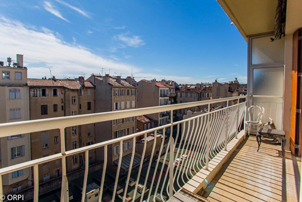 Achat Appartement 3 pièces à Marseille 4 - vignette-1