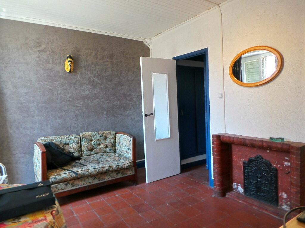 Achat Appartement 2 pièces à Marseille 1 - vignette-2